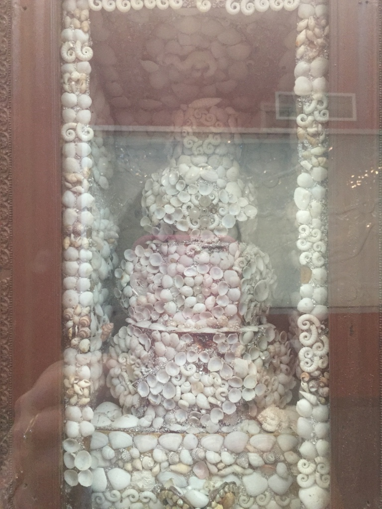 A shell wedding cake photo in the museum at Geraldton