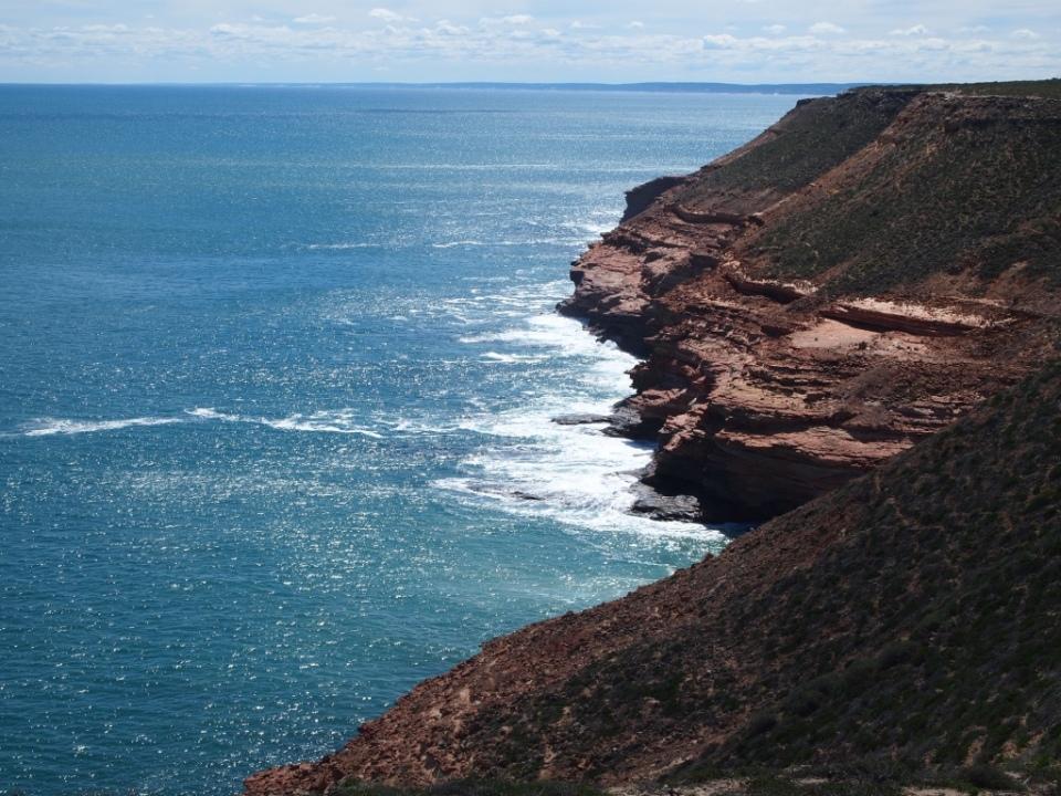 the cliffs coast leading into Kalbarri.