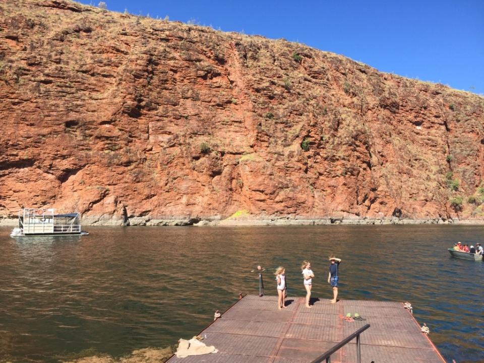 The swimming pontoon